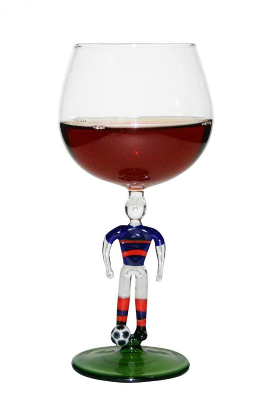 Pahar fotbalist vin rosu
