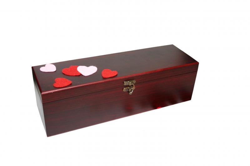 Cutie lemn cu 4 accesorii Amor